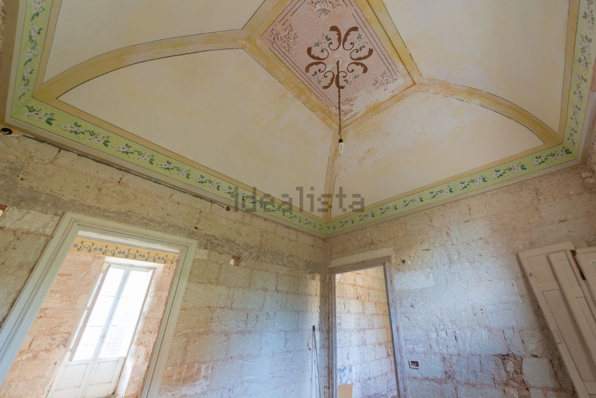 Historic building for Sale in Ostuni