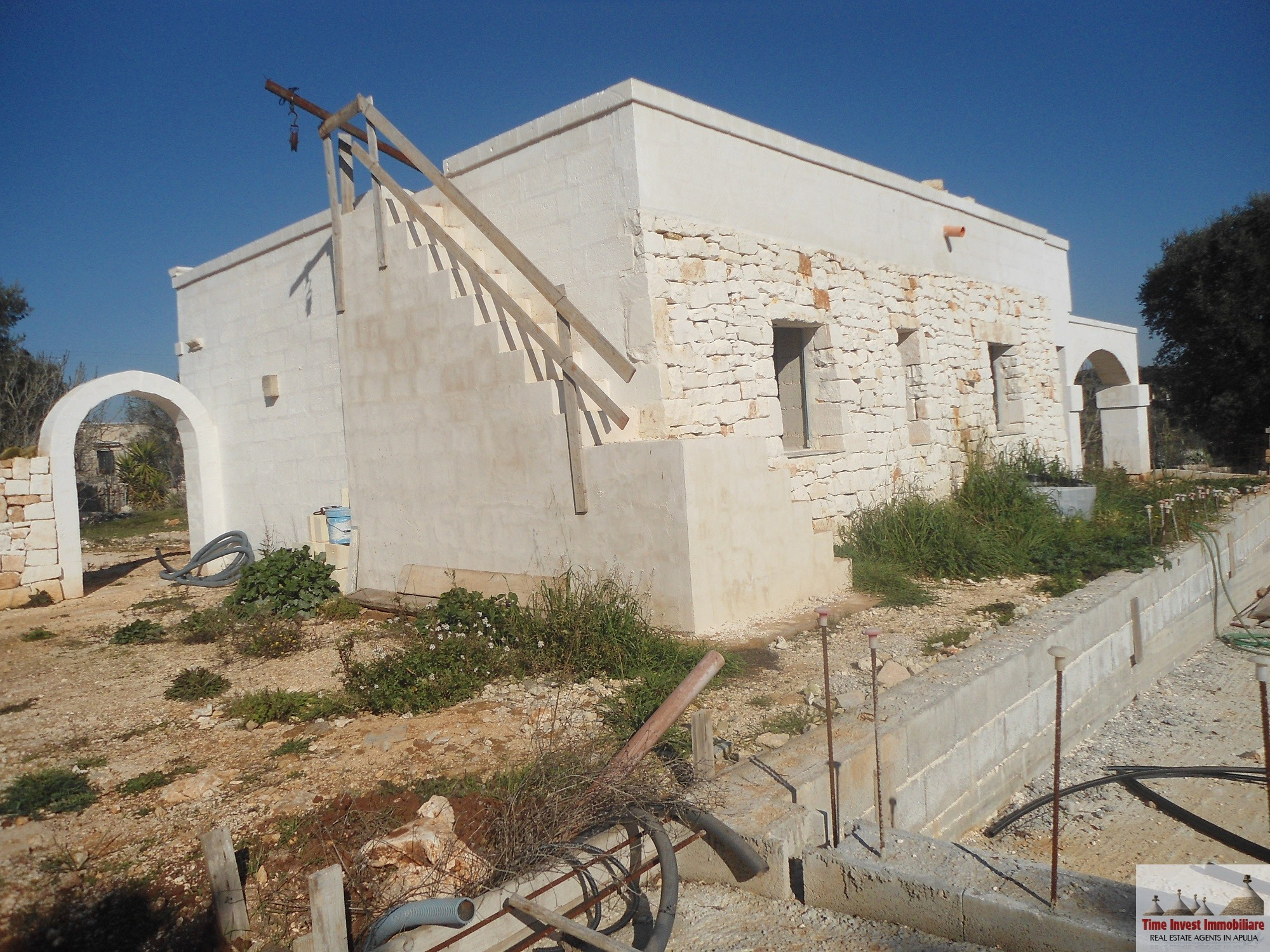 Farmhouse for sale between Ostuni and Ceglie Messapica