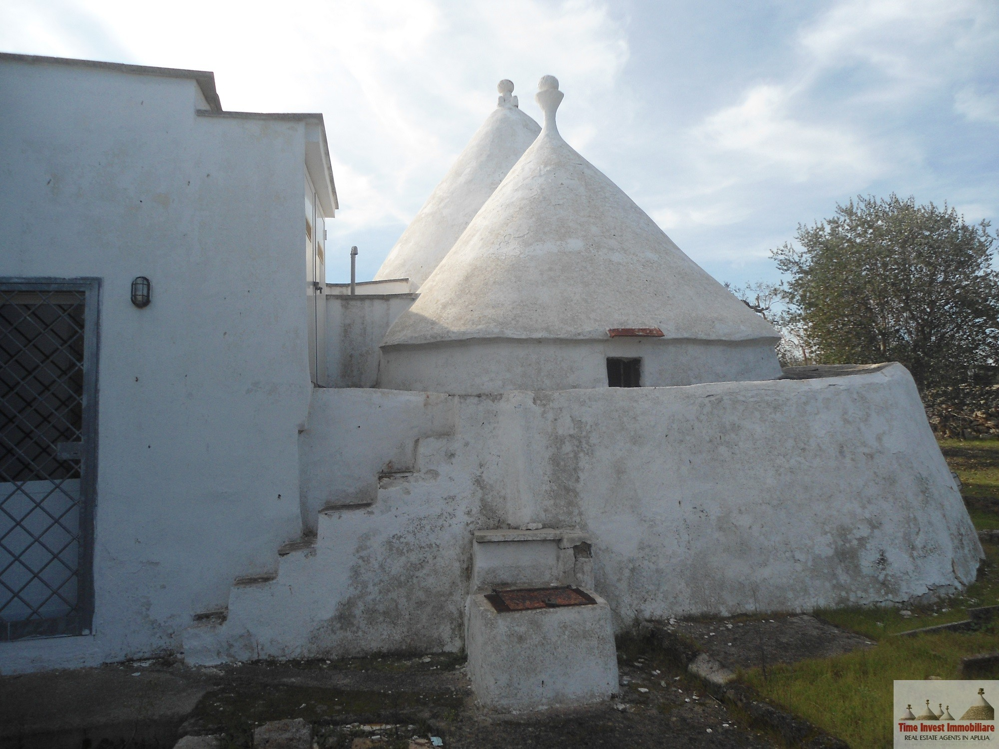 Villa with trullo
